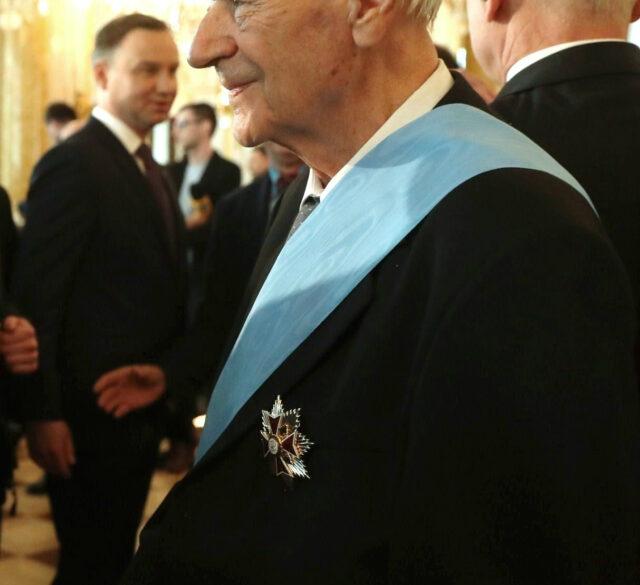 zdjęcie autorstwa Sejm RP fot. Paweł Kula - Święto Narodowe 3 Maja - uroczystości z udziałem Marszałka Sejmu (CROPPED), CC BY 2.0, https://commons.wikimedia.org/w/index.php?curid=61330488
